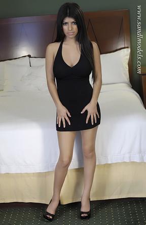 Petite nude latina